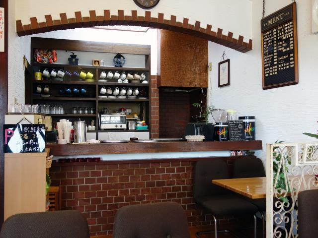 昔ながらの喫茶店の内装