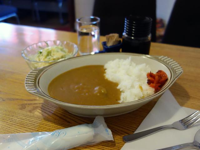 カレーライス(600円)