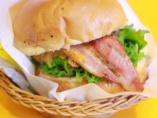 一眼レフで撮影したハンバーガー