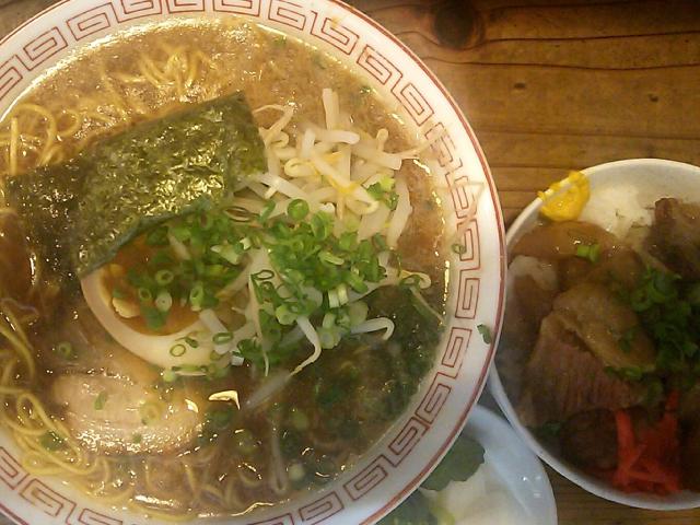 ラーメン+ミニ牛すじ丼