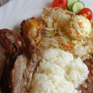 石津川駅すぐ近くのブラジル料理『セリアハウス』土日限定フェリアードランチの野菜たっぷりソースはお肉と相性抜群!