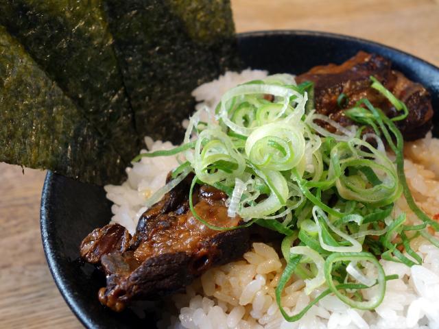 天下第一のパイカ丼(290円)