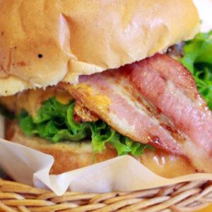 店長こだわりのハンバーガーが美味すぎる!深井の大満足なアメリカンポップカフェ『ビッグベリーマン堺店』
