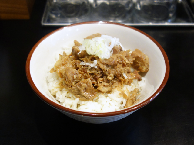 醤油白湯チャーシュー丼