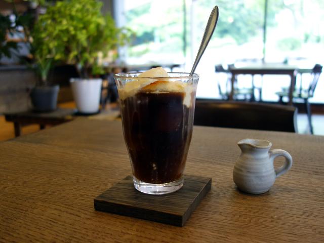 PURPOSE CAFEのシングルオリジンアイスコーヒー・フロート(580円)