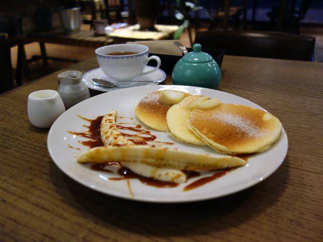 PURPOSE CAFEのリコッタパンケーキ ハニーバター添え(800円)