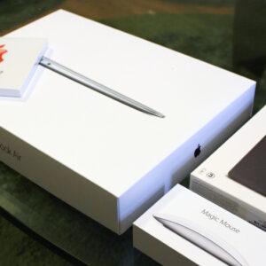 大阪心斎橋のApple Store(アップルストア)で13インチMacBook Airとその周辺機器を購入してきました。