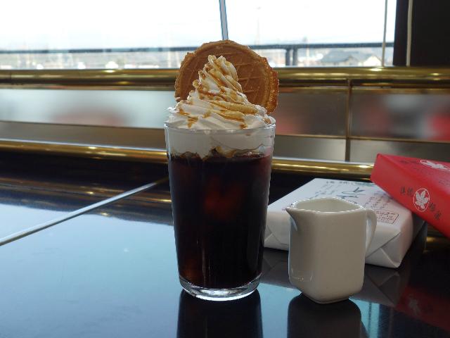 キャラメルウインナーコーヒー(480円)