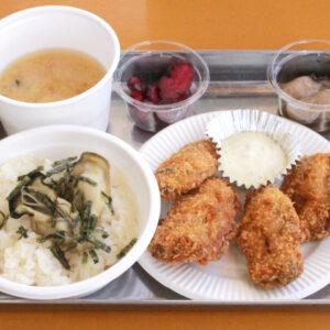 広島県廿日市市のかき小屋『島田水産』水揚げ場所で提供される新鮮な牡蠣料理を食べ尽くす!