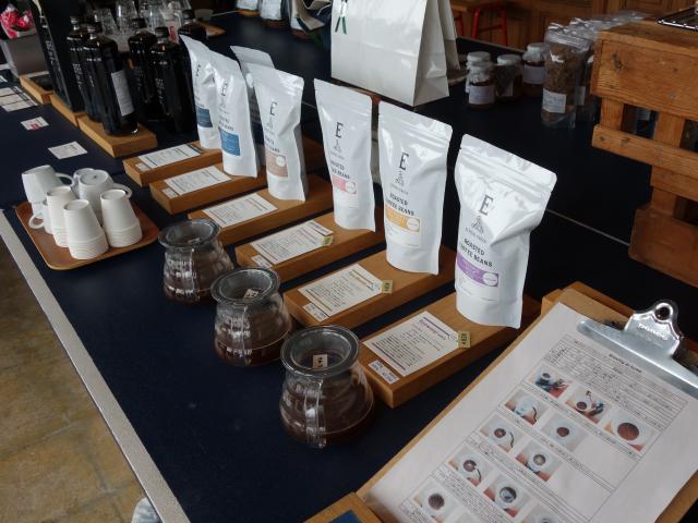 コーヒー豆や器具の販売