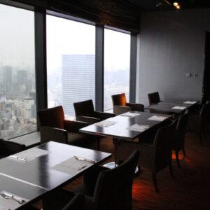 ヒルトン大阪のホテル最上階からの眺めを楽しむ!大阪を一望できるスカイラウンジ『ウインドーズオンザワールド』でランチビュッフェを楽しんできた!